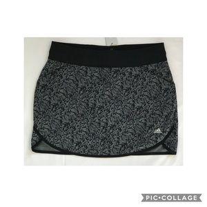 NWT  Women's Adidas Golf Tennis Skirt Shorts Sz M
